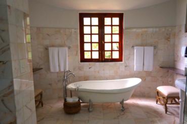 Bathrooms Of Instagram (Bathroom Design Ideas)